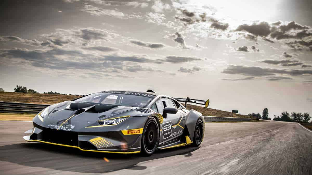 The new LAMBORGHINI HURACAN SUPER TROFEO EVO