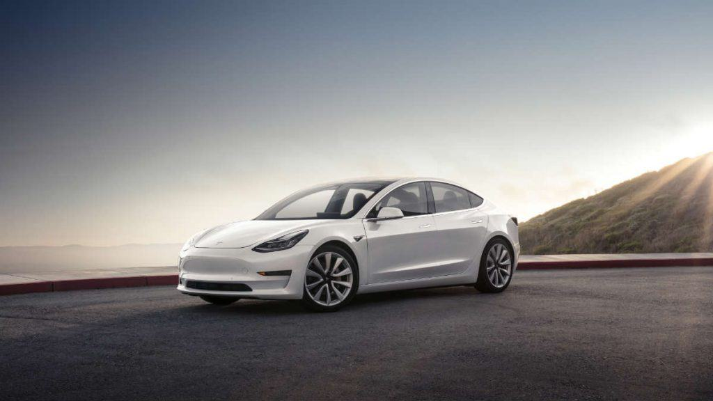 ELECTRIC CAR TESLA MODEL 3