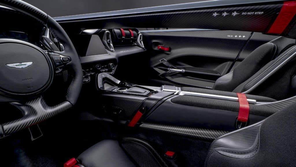 SPORTS CAR ASTON MARTIN V12 SPEEDSTER